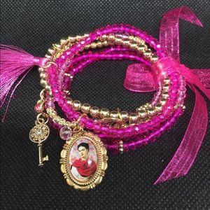 Frida pink bracelet. Handmade.